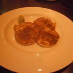 鉄板焼 ろじ - 山芋のステーキ ほくほくで美味い。わさびがまた良い!!