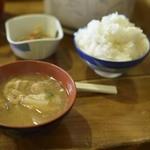 西穂山荘 - トン汁とご飯はお替わり自由