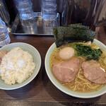 ラーメン 小村 - 料理写真:ラーメン並 味玉 ライス