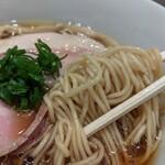 らぁ麺 はやし田 - 全粒粉の麺
