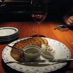 Wine & Bar Mure - クリームチーズ蜂蜜がけ