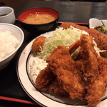 三河屋 - 三河屋(海老フライ定食+メンチ)