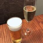 Uochainayou - 友人はスパークリングワインで乾杯