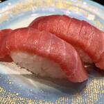 回転割烹 寿司御殿 - 料理写真:中トロ