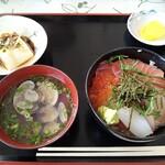 139209739 - 海鮮丼、冷奴、アサリのお吸い物