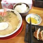 久留米ラーメン 丸久 - 料理写真:ラーメンAセット¥850