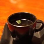 バー・バーンズ - 料理写真:自家製オニオンスープ