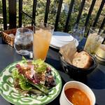 139231031 - パスタセットのサラダとスープ