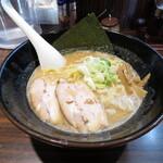 ラーメン長山 - 長山鶏豚骨醤油ラーメン 750円