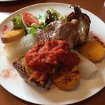 オーガニック食堂 Engi - engi食堂ランチコース 1プレート(税込 1,760円)評価=◎:メイン=三河ハッピーポーク、野菜=かぼちゃ、トウガン、タマネギ