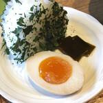ミソジュウ - 塩おにぎりと煮卵