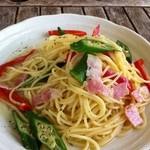 島茶家 ヤッカヤッカ - 夏野菜とベーコンのパスタ
