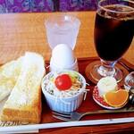 珈琲館 アップル - 料理写真:トーストモーニング605円 アイスコーヒー