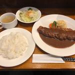 洋食屋ゆうき - 料理写真:本日のサービスランチ(ビフカツレツ)1000円