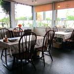 チャチャ - テーブル席①