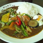 MOMO curry - 野菜カレー(スペシャルトッピング)半熟卵&チーズ