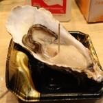大口水産株式会社 - 別の店 1,000円 仙鳳趾牡蠣(笑)