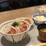 魚金醸造 - ぶりしらす丼
