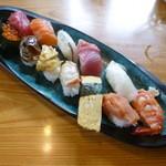 緑鮨 - おすすめランチ にぎり (800円)