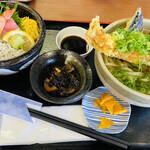 さしみ屋 - 料理写真:景色が綺麗と 何を食べても美味しい♡