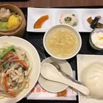 広東炒麺 南国酒家 - ランチAセット 1400円