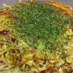 お好み焼き 大樹 - 肉玉そばにイカ天(800円)