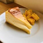 139335270 - 溢れるチーズはベイクドなのにレア♡