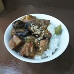 中華そば うお青 - まかない肉丼ミニ(290円)