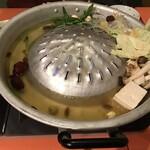Nariya - ムーカタ鍋(焼肉/鍋/薬膳)(1,980円/1人前)