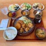 菜々家 - ★菜々家 特選ランチ(767円)★メイン+惣菜ブッフェ