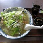 中華料理 大来軒 - タンメンと付属の品