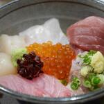 千寿 一歩一歩 - 海鮮丼