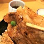 139342621 - 201023金 北海道 豚丼のぶたはげ本店 実食!