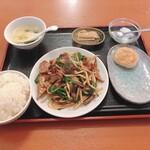 金鴻運 - レバニラ炒め定食