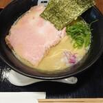 ラーメン天人  - 料理写真:鶏白湯塩 濃厚そうなスープです。