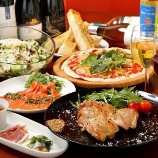 季節ごとに変わる旬のお料理♪名物の「ペペロンナーラ」が人気