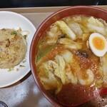 ラーメン屋 福八 - 広東麺(850円)・半チャーハン(200円)