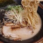 暁 - 料理写真:暁らーめん・黒豚骨 ¥850