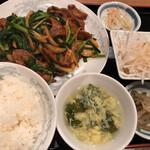 中華料理 豊楽園 - ニラレバセット ごはんおかわり1杯まで無料