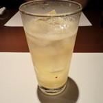 13937112 - 梅酒ソーダ割り