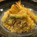 Tempuratowain kajiki - 【ランチ】 天丼 \1000
