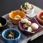 緑亭 - 料理写真:旬の素材を生かした前菜