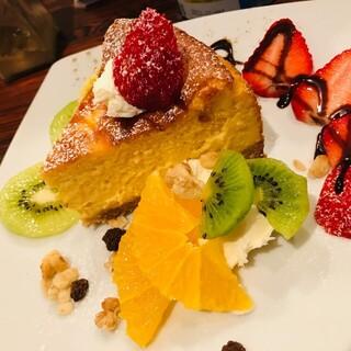 【テイクアウト】カレーやナンをご家庭で◎手作りケーキも人気♪