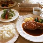 フライパン - 料理写真:ポークソテー(美明豚200g) ¥1,980-