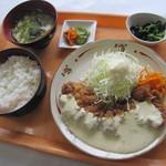 市場食堂 - 料理写真:市場食堂人気No.1メニューです!これを食べに県内外からたくさんのお客様がご来店頂けております.)^o^(  チキン南蛮定食 ¥550