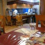 Shanti インド料理レストラン - 手作りっぽい雰囲気のある内装でした。