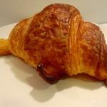 手作りのパン 峰屋 - チーズクロワッサン 185円