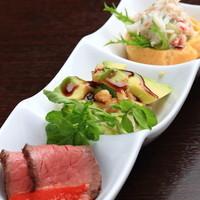 バラティエ - 真鯛のカルパッチョ、蟹のサラダ仕立て、飛騨牛ロースとビーフ