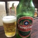 上海飯店 - チンタオビールで喉の洗浄