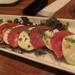 カナロア テーブル - モッツァレラチーズとトマト